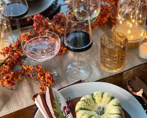 Here's How To Host Thanksgiving Dinner Without Doing All The Work Yourself