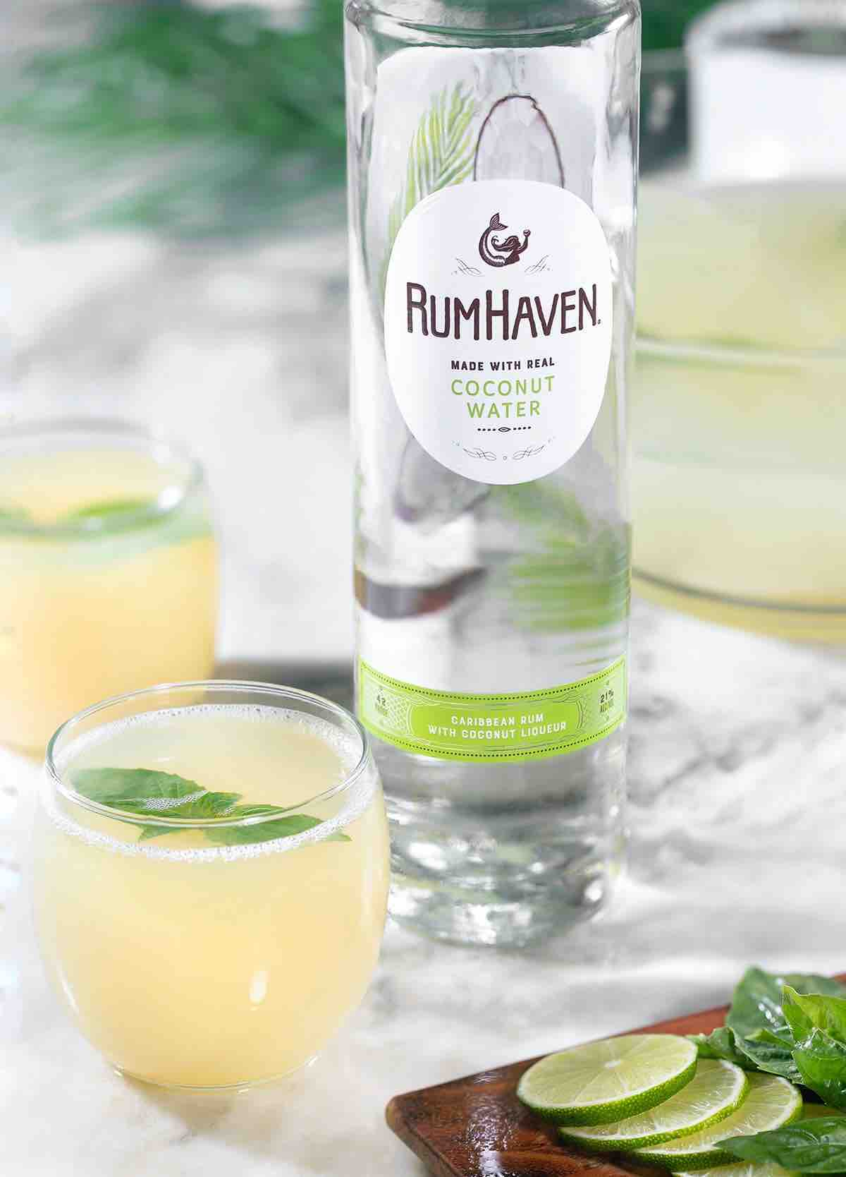 Delicious Cocktails To Mix Up For Friendsgiving Celebrations