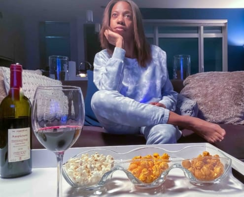 Best Wine And Popcorn Pairings For Your Next Binge-Watching Night