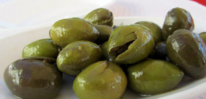 Green Elvas olives