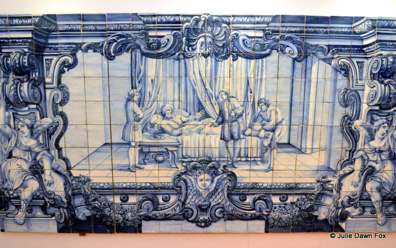 painted azulejo depicting a fable, São Vicente de Fora Monastery