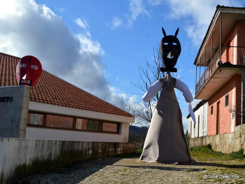 Masked effigy, Podence