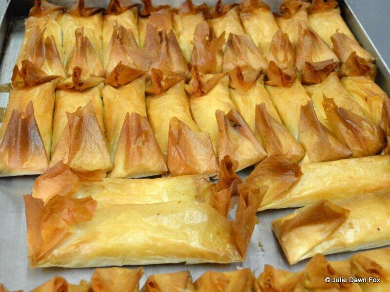 Freshly baked pasteis de Tentúgal