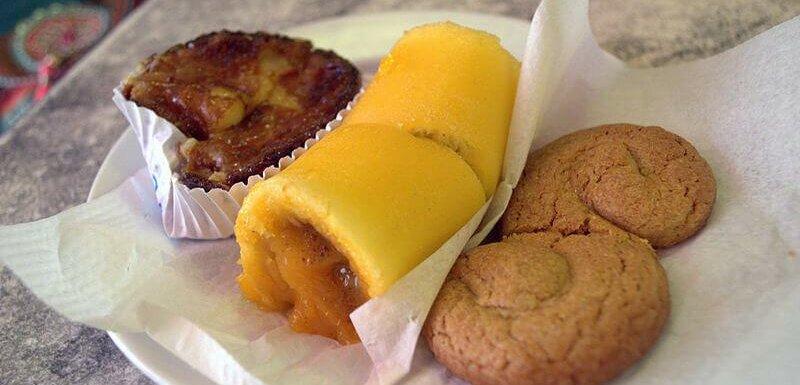 Milk cake, 'Torta de Azeitão' and 'Esses de Azeitão'