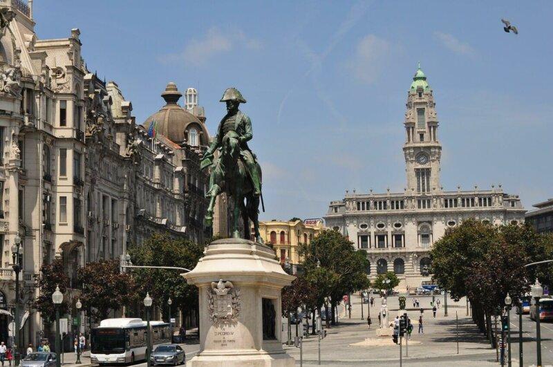 Porto Avenida dos Aliados. Photo credit Smirre