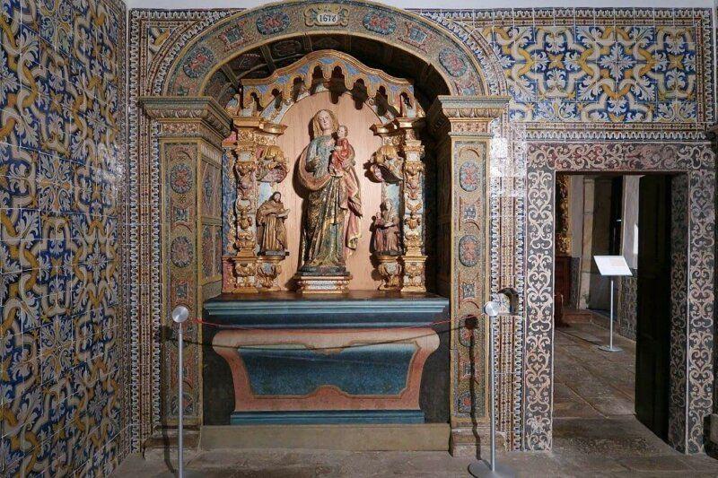 Azulejos and chapel, Museu dos Terceiros, Ponte de LIma