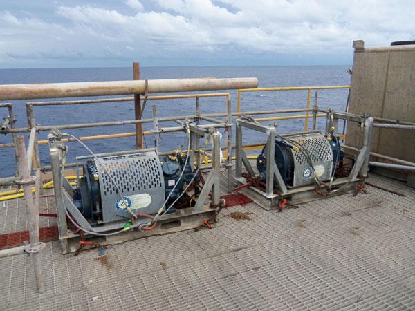 Air-hoist-on-vessel