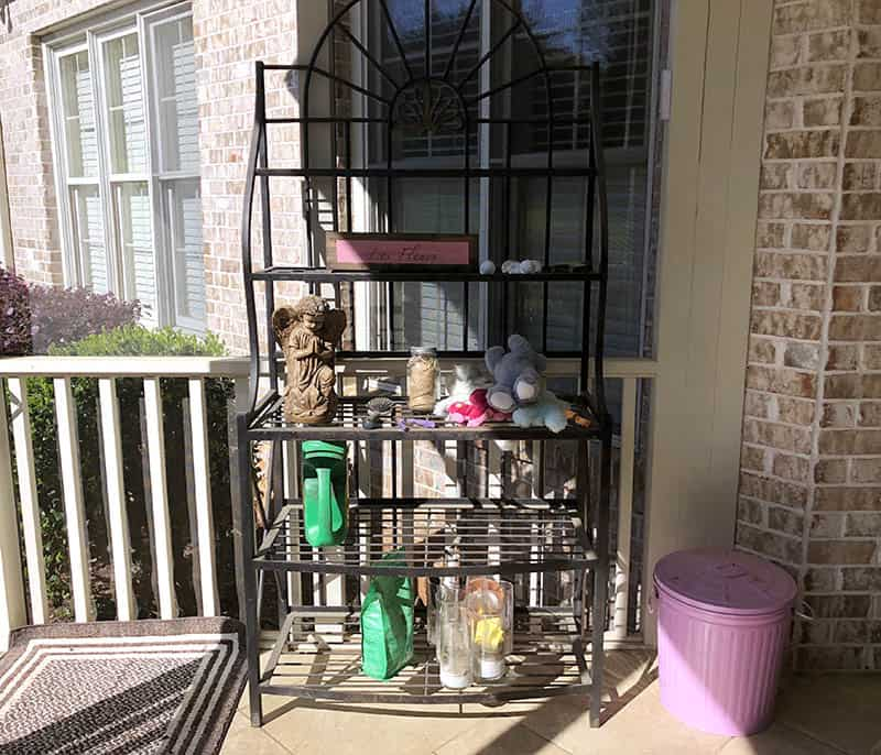 porch bakers rack
