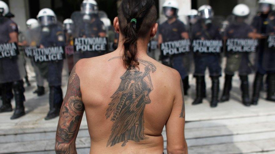 2012Greece-protest-10042012-QZcom