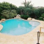 tn_1200_Custom_Designed_Pools_r.jpg