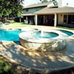 tn_1200_Pools_with_Fountains_e.jpg