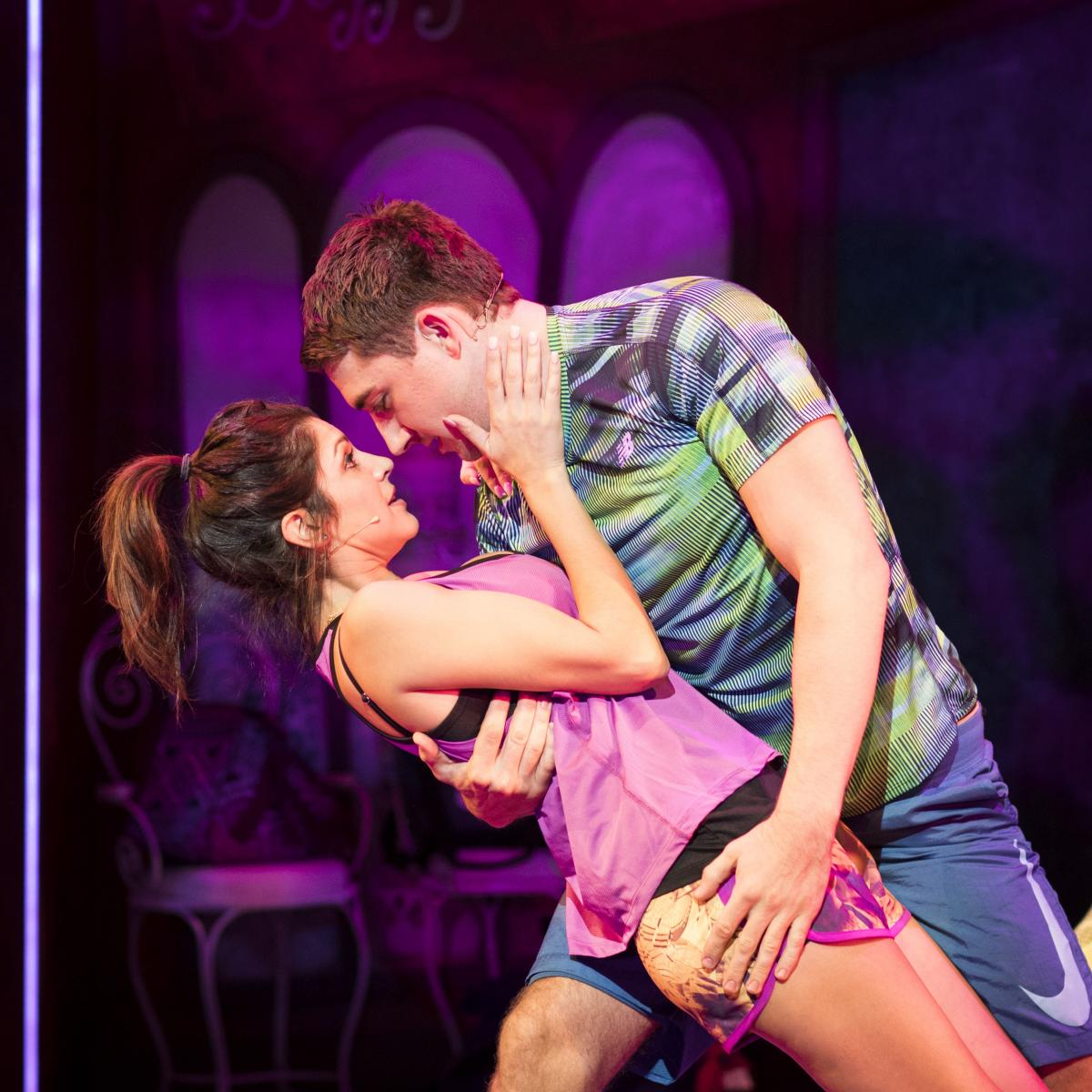 Natalie-Anderson-and-Jonathan-Halliwell-for-Kay-Mellors-Fat-Friends-the-Musical.-Photo-by-Helen-Maybanks.-001
