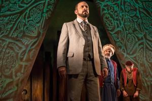 Baba (Emilio Doorgasingh), Ali (Ezra Faroque Khan) Hassan (Andrei Costin)