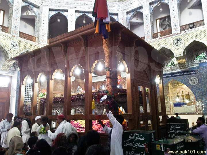 Lal Shahbaz Qalandar: The Legend of Sufism and Poetry in Sindh