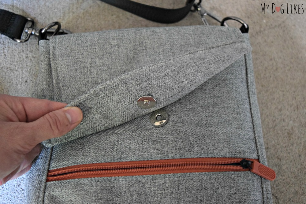 A magnetic clasp makes the bag flap easy to align and secure.