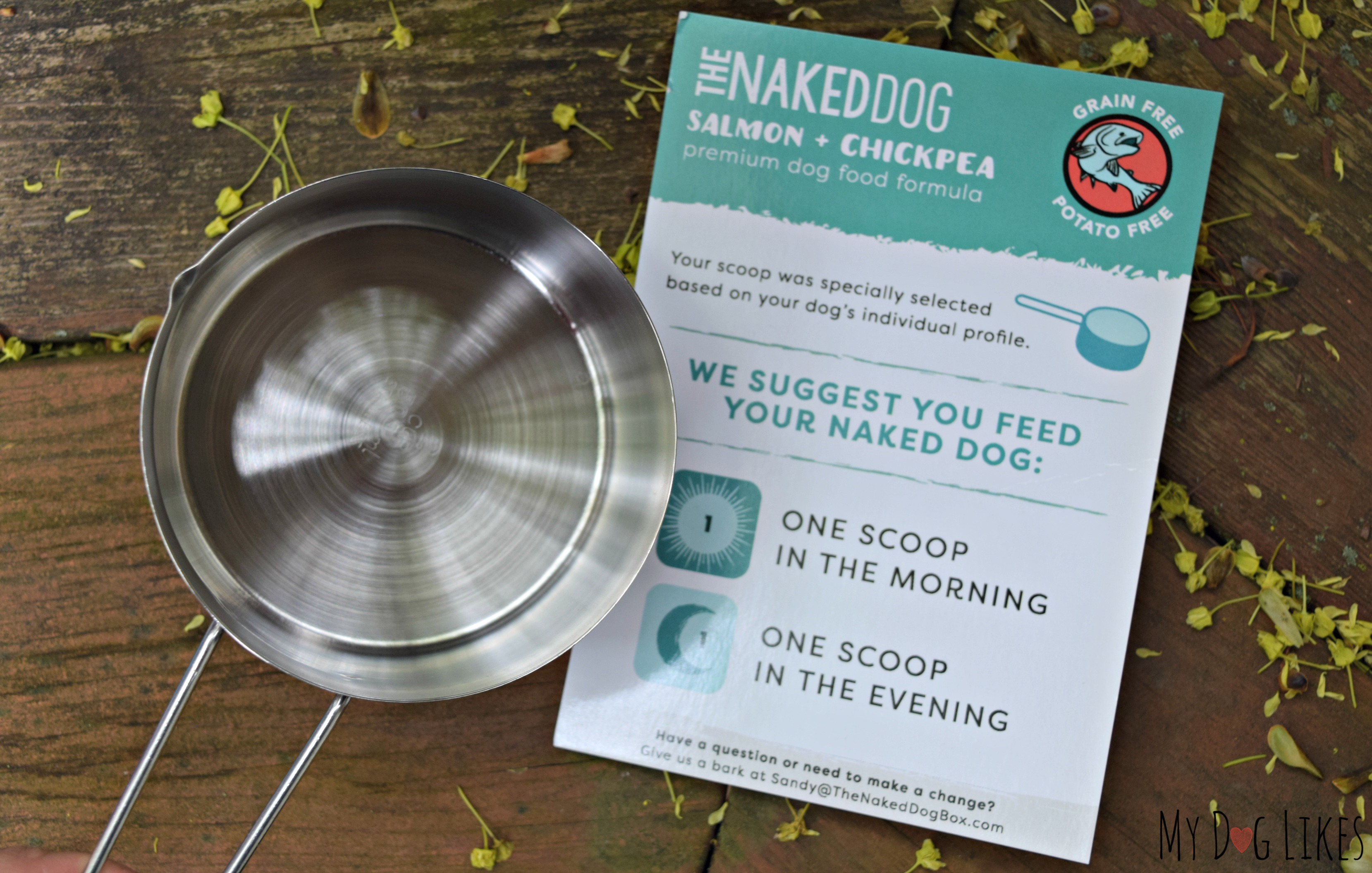 Each Box includes a meal sized scoop to make measuring your dogs food simple