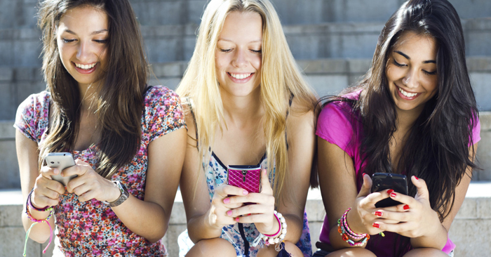How to Help Teenagers Navigate Social Media [Podcast, Episode 14]