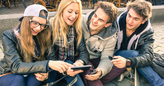 How Smartphones are Affecting Real Relationships in the Lives of Teenagers