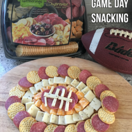 Easy Game Day Snacking | @HormelFoods #HormelGatherings #partytrays #gameday