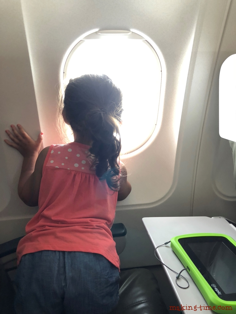 How I Survived Flying Alone with 3 Small Kids | #flyingalonewithkids #flyingwithkids