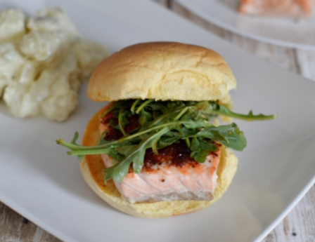 Smokey Salmon Sliders | #15minutemeal #salmon #sliders #onthetable