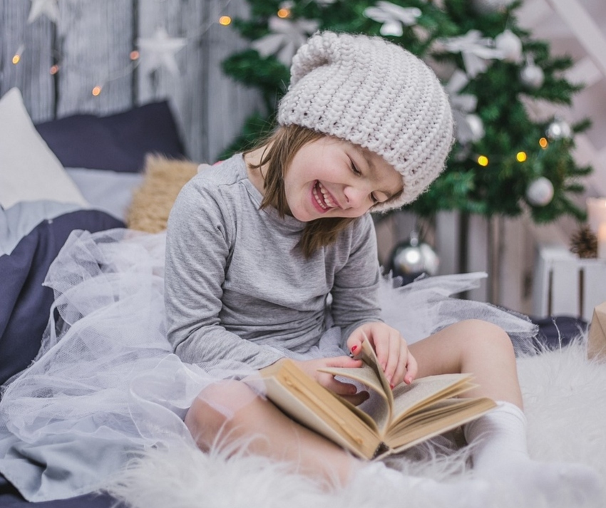 Give Your Kids the Gift of Reading: Titles for Ages 0-11 | #holidaygiftguide #giftideas #childrensbooks #reading