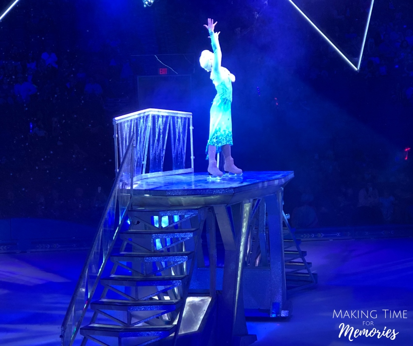 Making Memories at Disney On Ice presents Frozen + Video Sneak Peek ~ #DisneyOnIce #FrozenOnIce #HertzArena #DisneyMom #Disney #Frozen