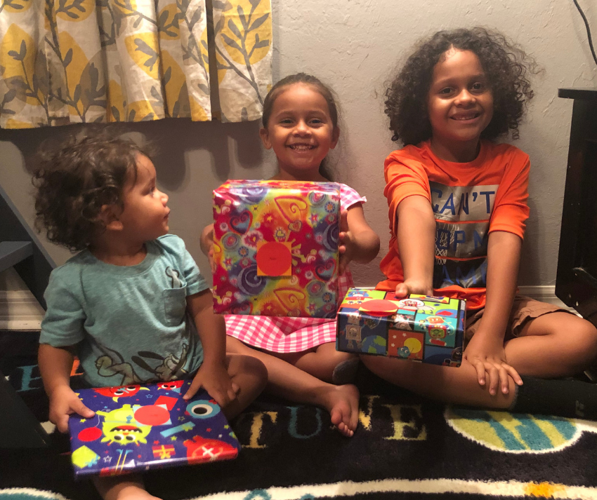 A Gift Wrapped Present in the Mail Will Make Any Kid Smile ~ #giftwrapped #makingtimeformemories #WickedUncle #giftsforkids