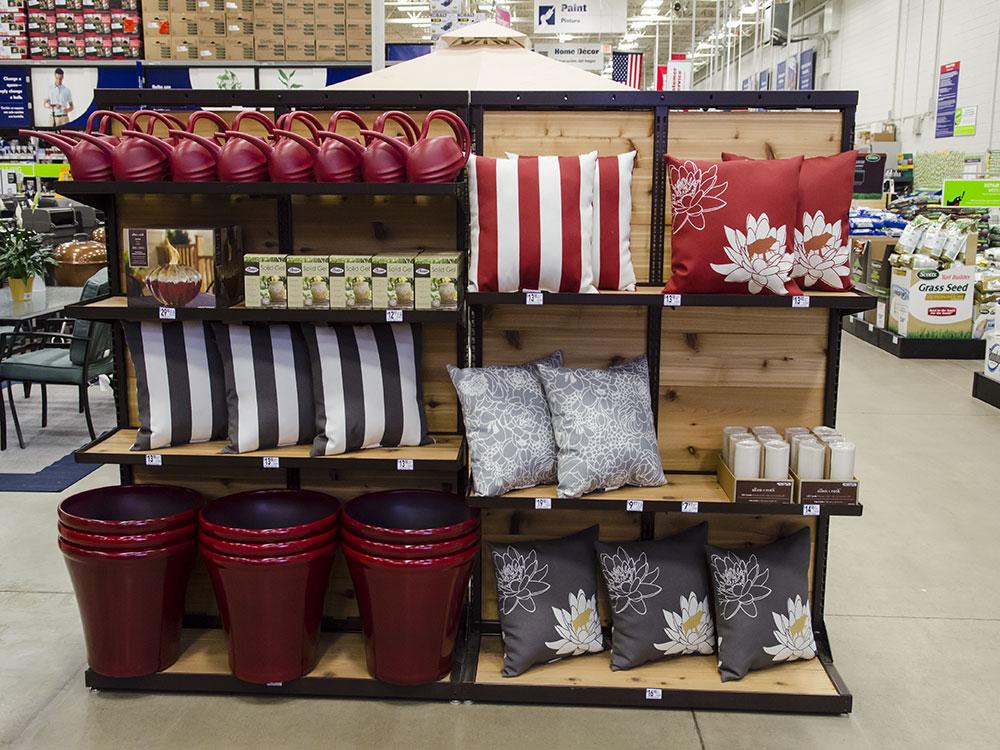 Seasonal Merchandiser