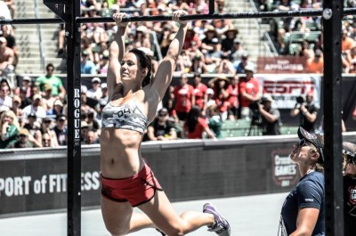 butterfly-kipping-pull-ups-technique-trojan-crossfit-wod-la-vida-loca-3-rounds-for-time-shuttle-sprints-running-turf-track-deadlifts-burpee-box-jumps-chest-to-bar-pullups-c2b-400x265