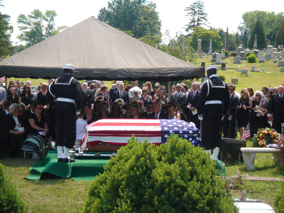 jason-lewis-funeral-1 3