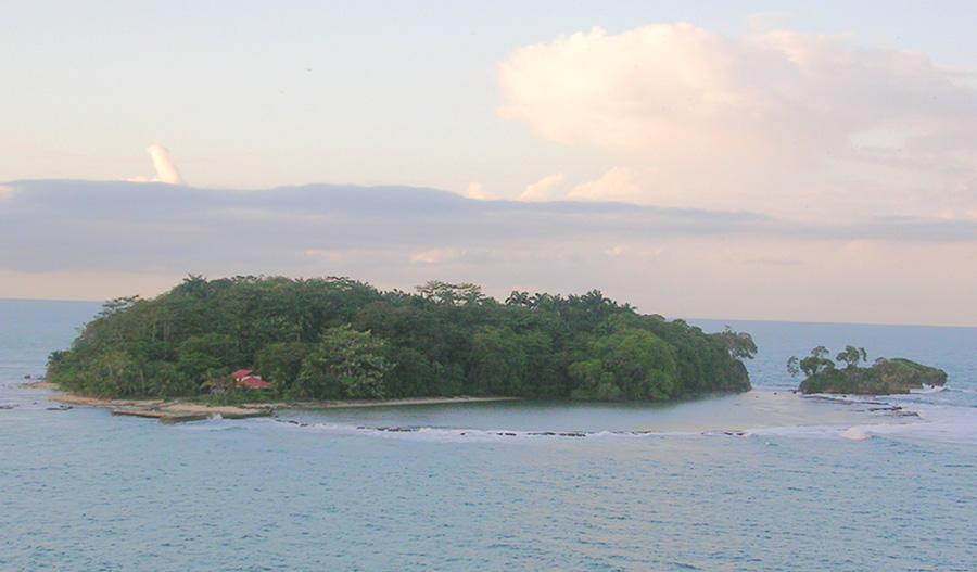 Costa Rica's best scuba diving sites - Nomad America 4x4