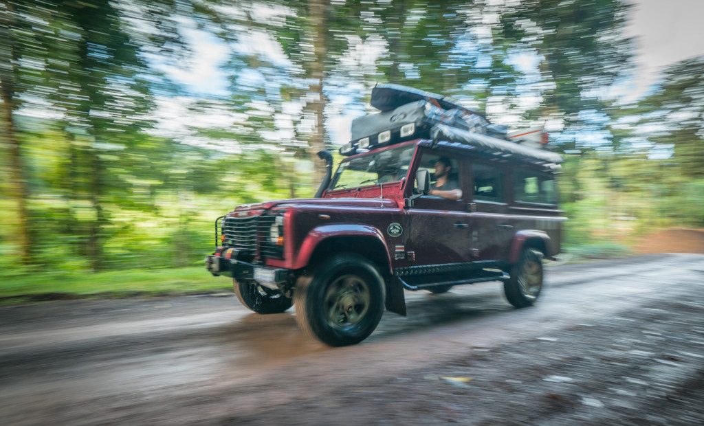 Land Rover Defender 110 – Nomad America 4×4 Car Rental Costa