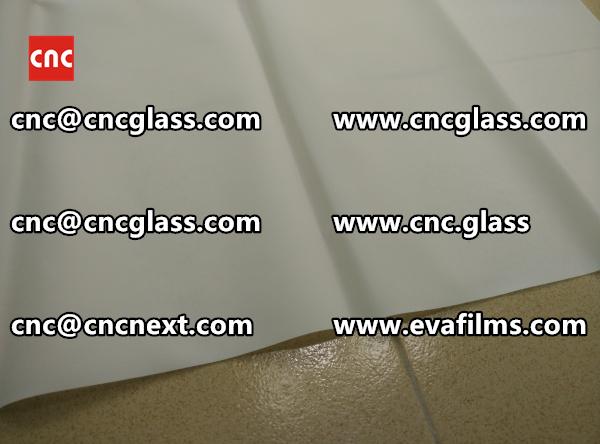 Laminated safety glass EVA-based densely cross-linked interlayer (19)