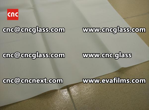 Laminated safety glass EVA-based densely cross-linked interlayer (22)