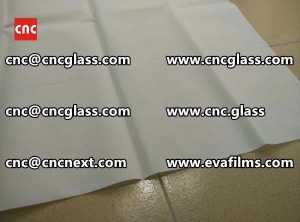 Laminated safety glass EVA-based densely cross-linked interlayer (24)