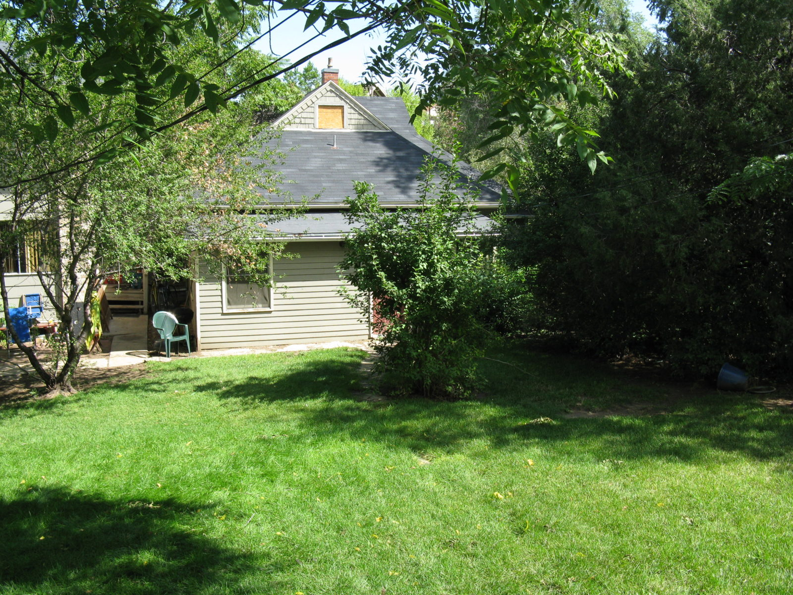 2473: Back of House with Yard