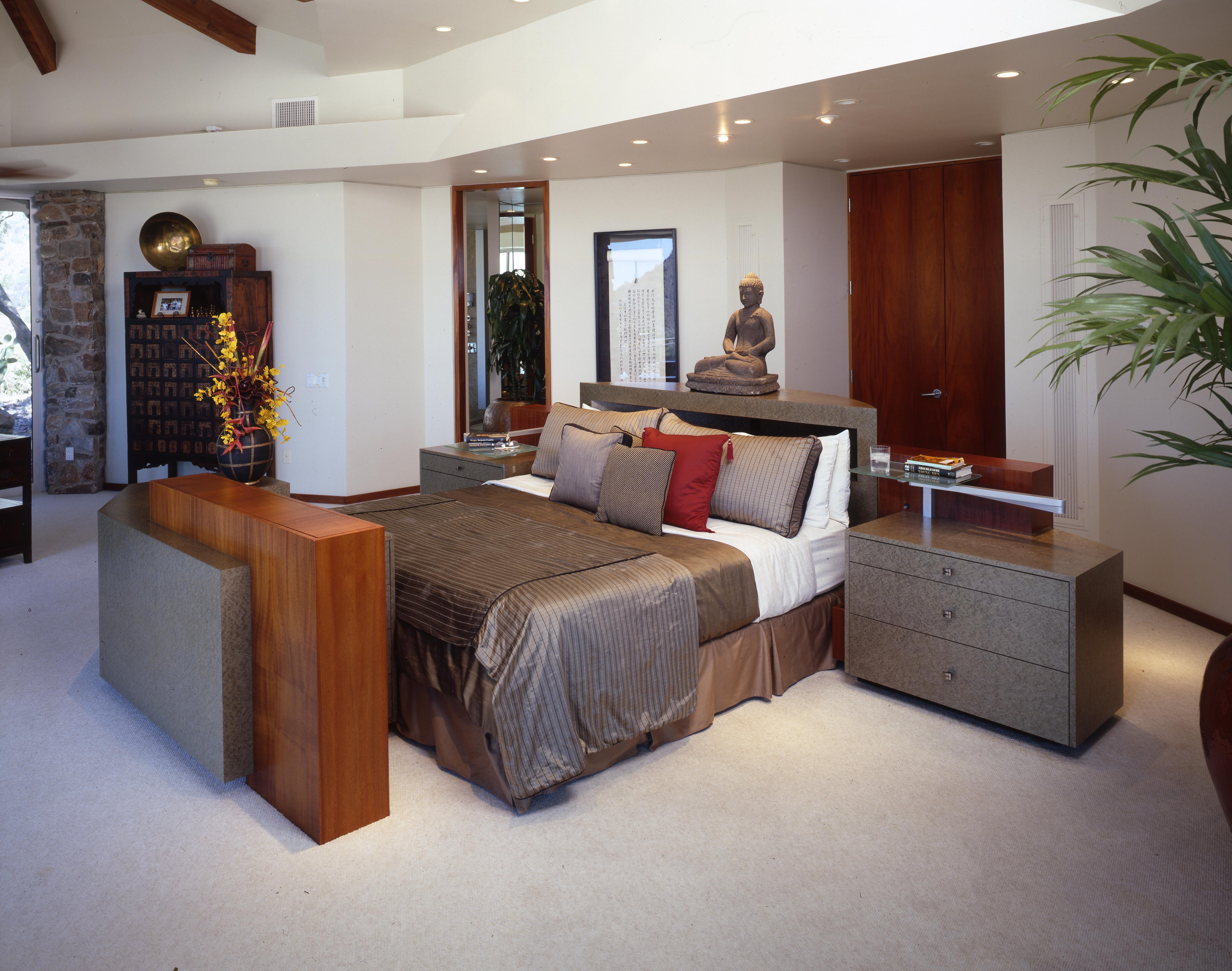 contemporary bed, inca, plasma lift, tv lift for cabinets, custom nightstands, custom bed, tv lift, tv stand, custom tv lift for cabinet, custom tv lift