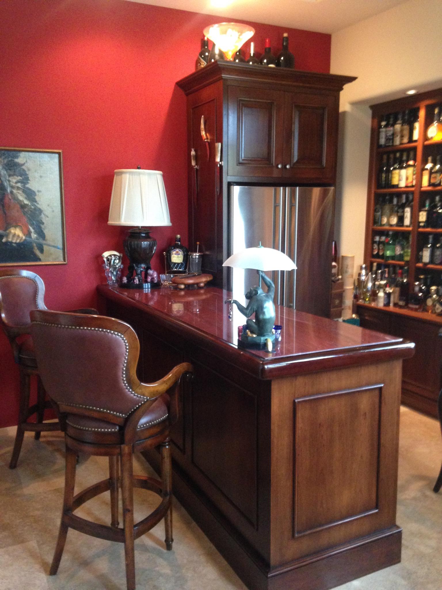 Man Cave, man cave bar, custom bar, residential bar, old style bar, rich woodwork,