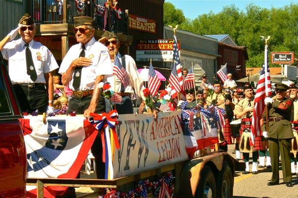 Ennis 4th-of-July-Parade