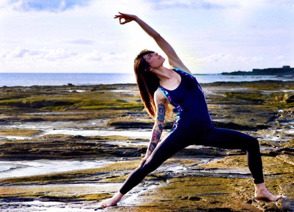 nayra-gomez-yoga-pose-beach-1