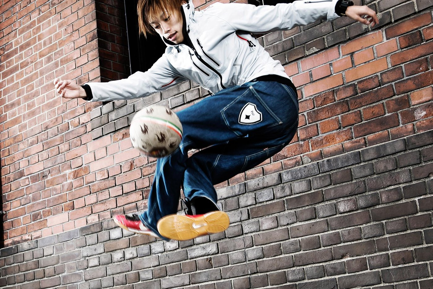 Kotaro Tokuda performs during a photo shoot in Yokohama Akarenga, Japan on November 19th, 2012 // Hiroyuki Orihara/Red Bull Content Pool // P-20121203-00166 // Usage for editorial use only // Please go to www.redbullcontentpool.com for further information. //