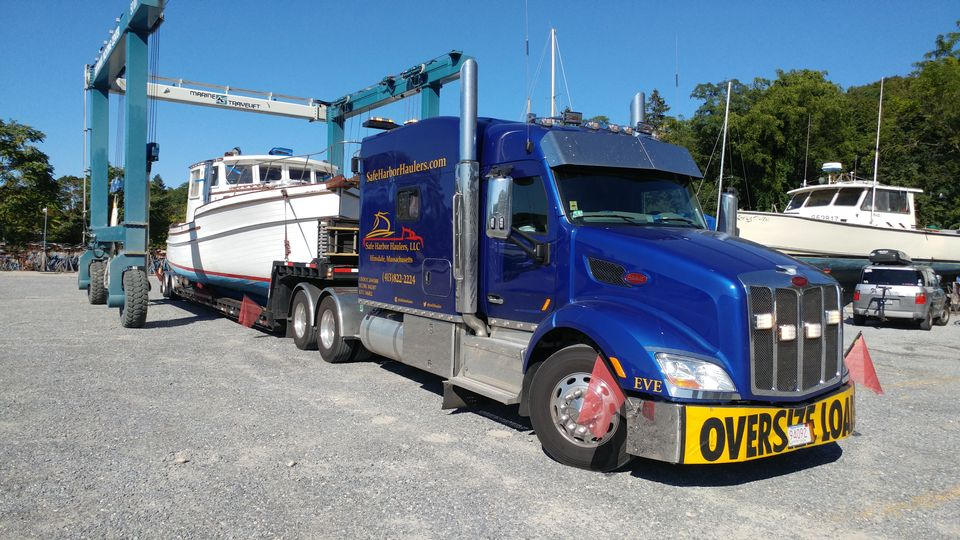 Boat and Yacht transport, boat haulers, yacht delivery