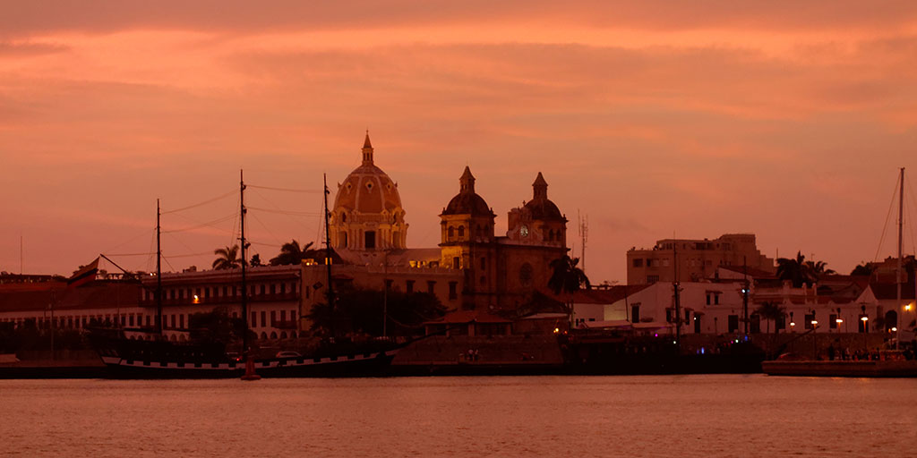 Iglesia De Santo Domingo Night View
