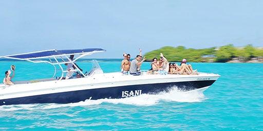 Boating in the Rosario Islands