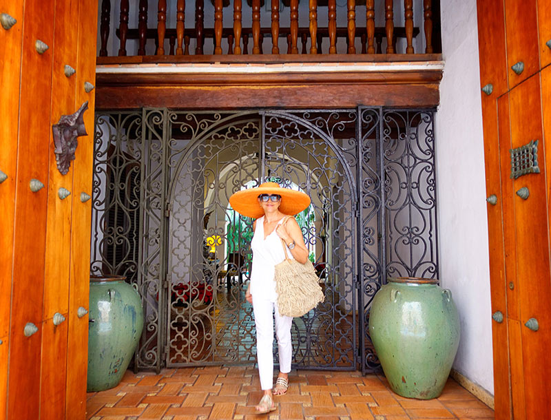 How To Dress In Cartagena Colombia