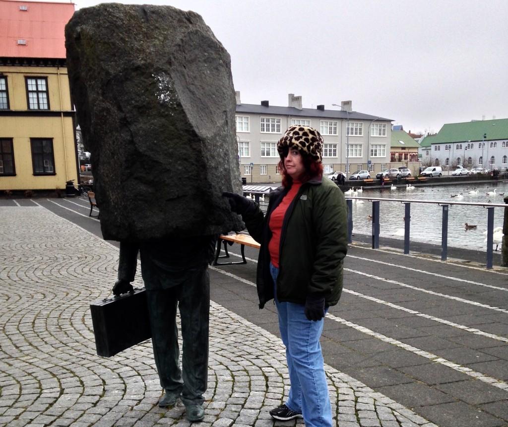 Sarah & statue (1)