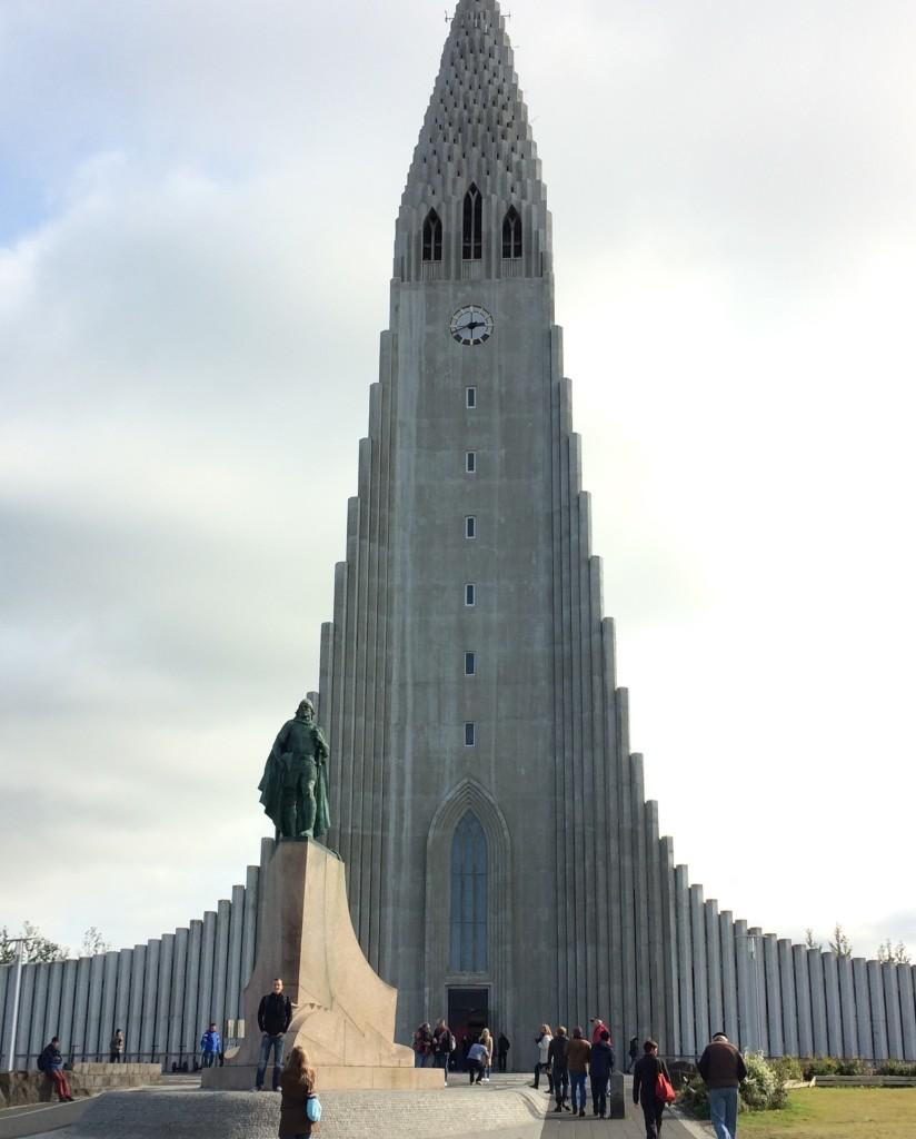 Hallgrimskirkja & statue of Leifur Eiriksson