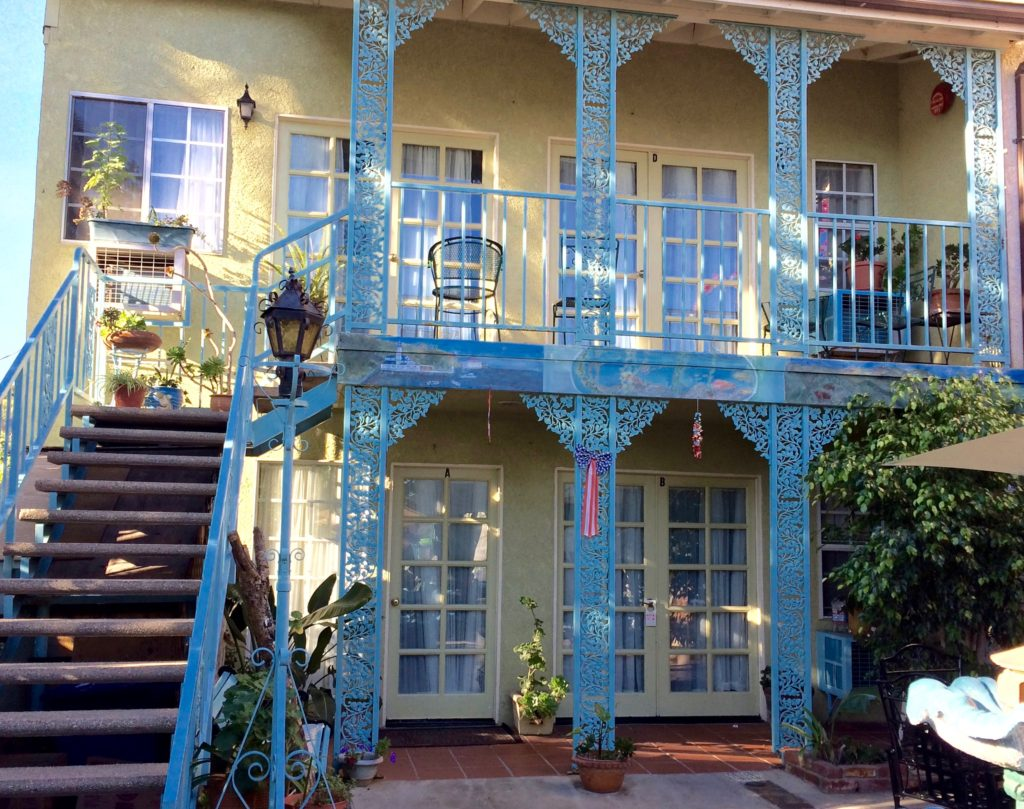Courtyard of La Paloma Los Flores