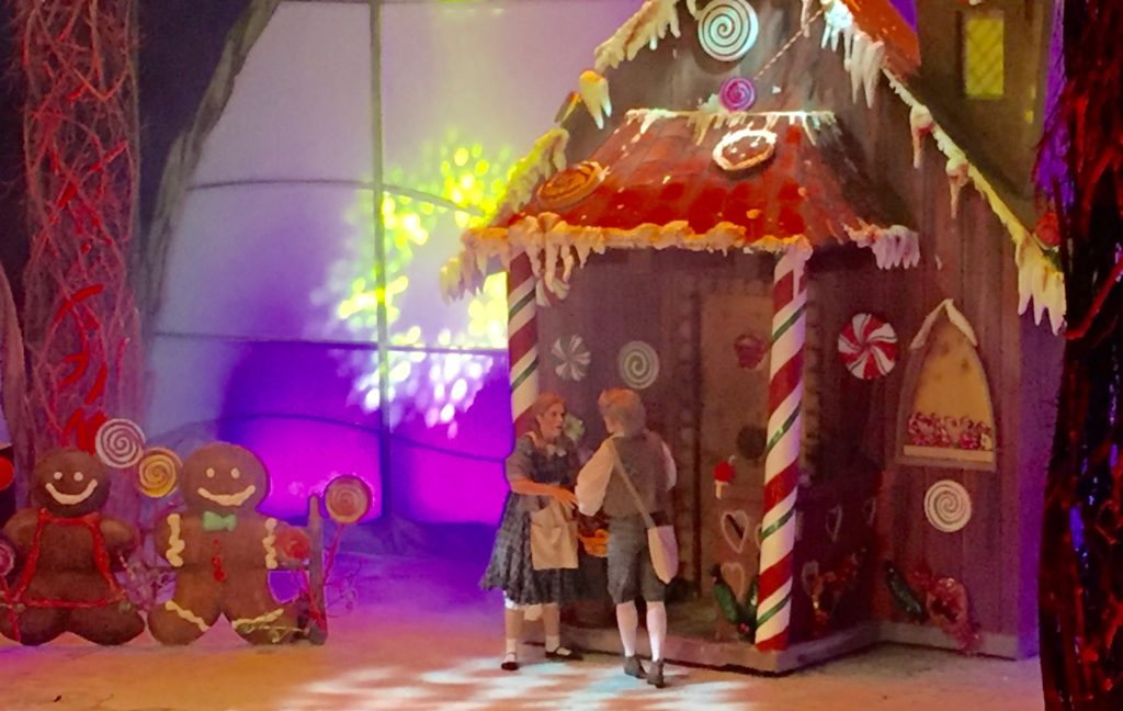 Hansel & Gretel and the gingerbread house